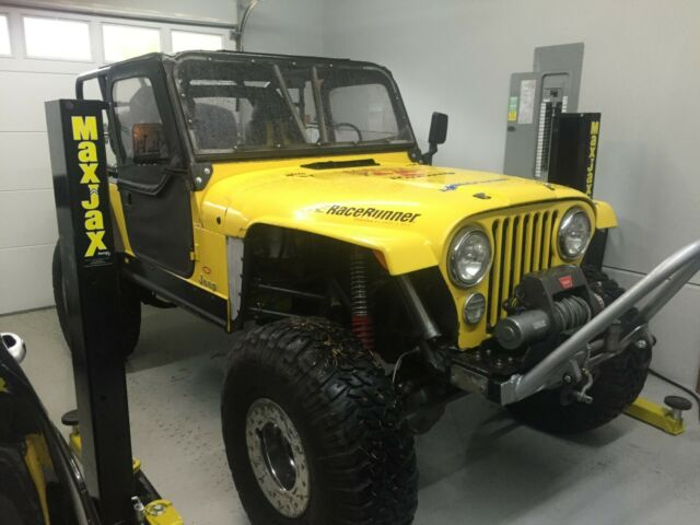 1976 Jeep CJ (Yellow/Black)