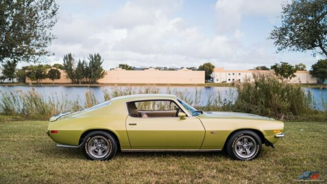 1971 Chevrolet Camaro (Green/Tan)