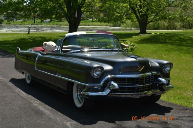 1955 Cadillac DeVille (Mercedes Metallic Charcoal/Blood Red Buffalo Hide)