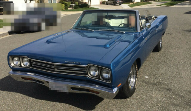 1969 Plymouth Road Runner (Blue/White)
