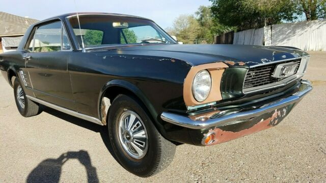 1966 Ford Mustang (ivy green/White)