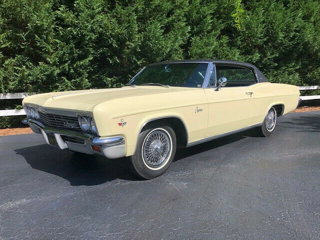1966 Chevrolet Caprice (Yellow/Black)