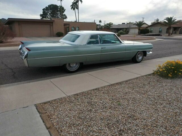 1964 Cadillac DeVille (Turino Turquoise/Turquoise)