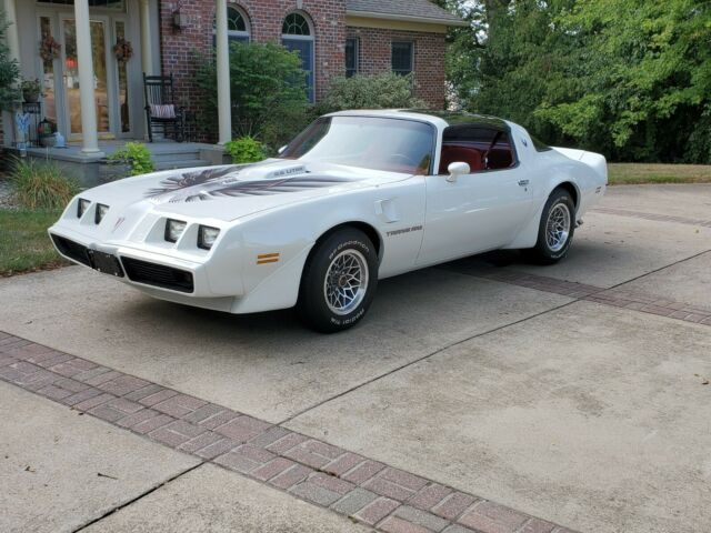 1979 Pontiac Trans Am (White/Red)