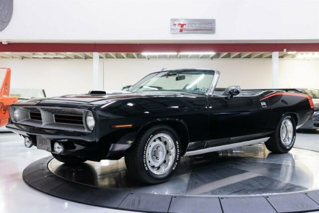 1970 Plymouth Barracuda (Black/Black)