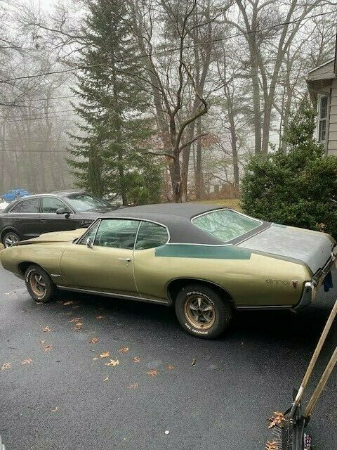 1968 Pontiac GTO (Green/Gold)