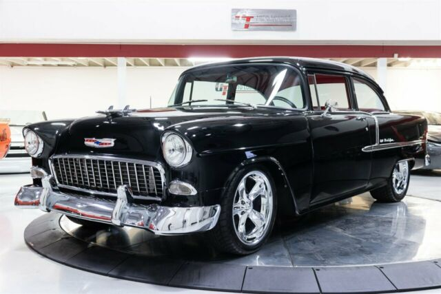 1955 Chevrolet Bel Air/150/210 (Black/Red)