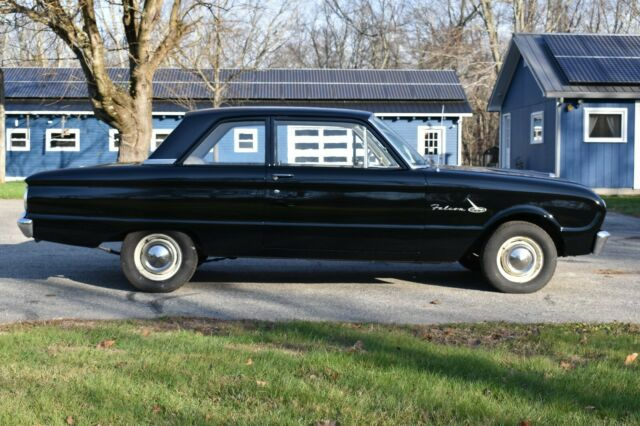 1963 Ford Falcon (Black/Brown)