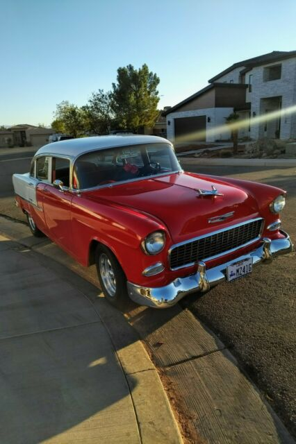 1955 Chevrolet Bel Air/150/210 (Red/Gray)