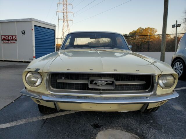 1967 Ford Mustang (Yellow/Black)
