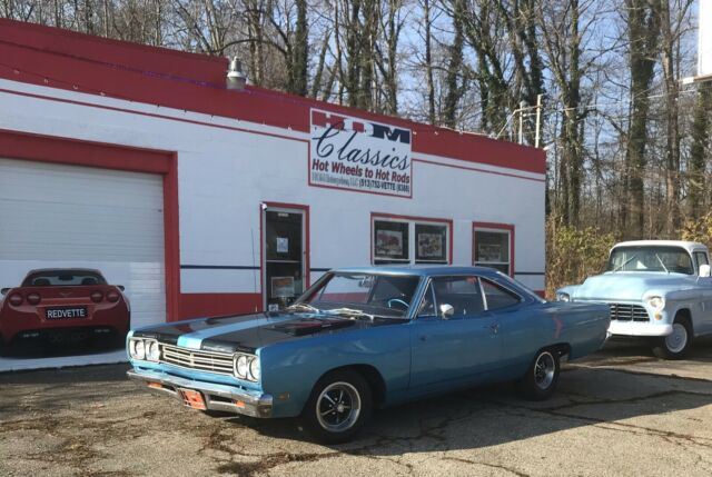 1969 Plymouth Road Runner (Blue/Black)