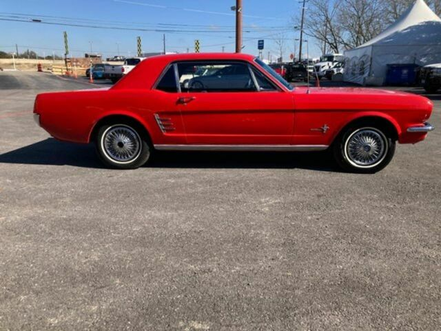 1966 Ford Mustang (Red/Black)